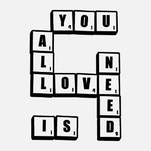 T-shirt All you need is love écrit en jetons de Scrabble à créer et personnaliser en ligne.