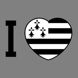 J'aime la Bretagne, design I love et cœur noir et blanc aux couleurs du drapeau.