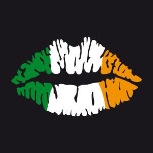 Drapeau irlandais tricolore dessiné sur une bouche, créez votre t-shirt de supporter en ligne.