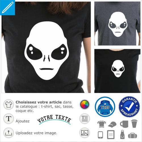 Alien stylisé à grands yeux en amande, un design Geek et Scifi.