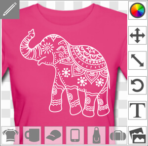 Elephant d'inde décoré à motifs floraux.