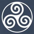 Triskel breton classique à 3 branches, entouré d'un cercle.