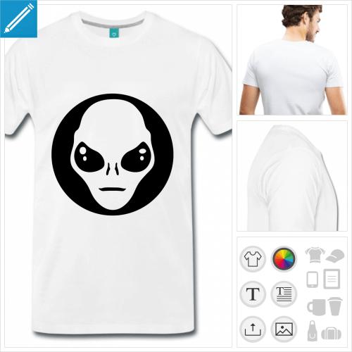 T-shirt alien médaillon, visage d'alien simplifié découpé dans un cercle plein.