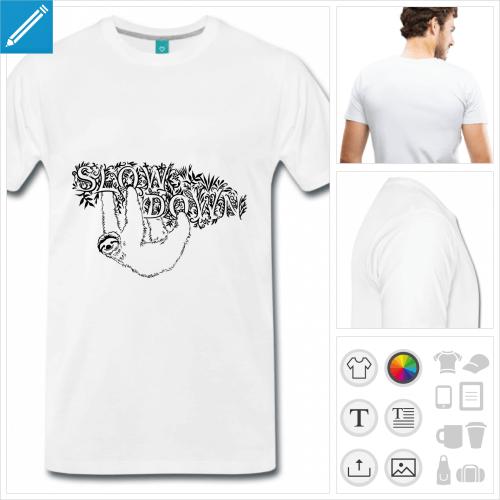 T-shirt paresseux accroché à du feuillage, motif slow down à imprimer en ligne.