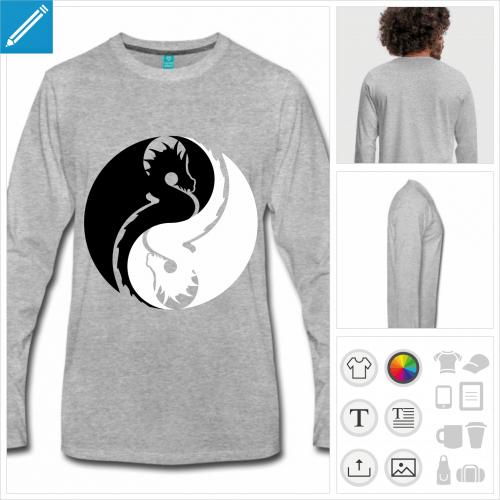 T-shirt à manches longues bleu marine pour homme personnalisé avec un symbole yin yang composé d'un dragon noir et d'un dragon blanc inversé.